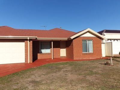 Great Freshly painted Family Home !