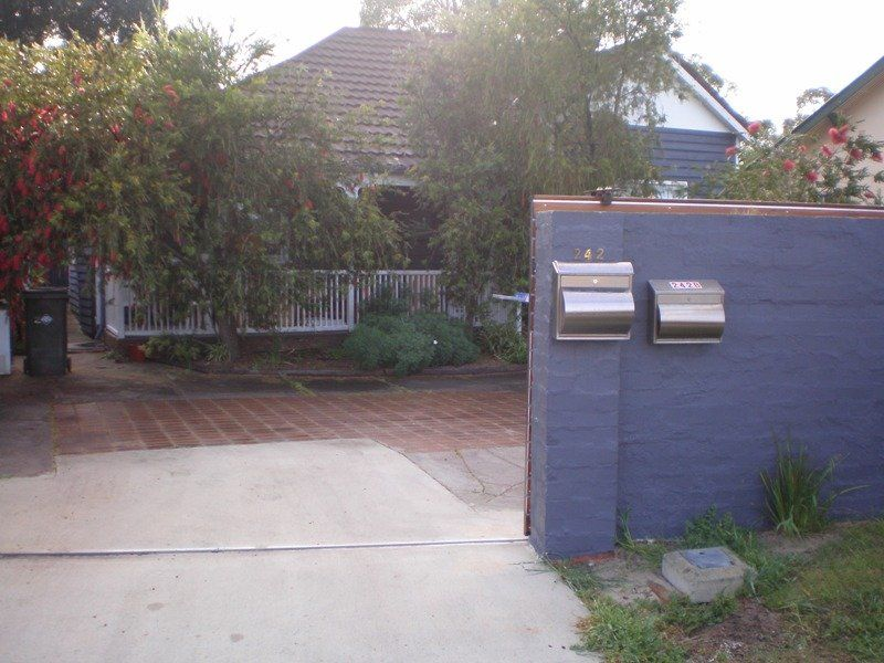 NEAT AND TIDY WEATHERBOARD