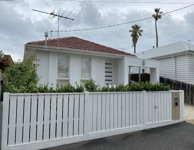 IMPRESSIVE HOME IN THE HEART OF WILLIAMSTOWN