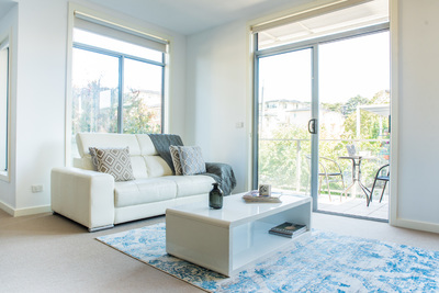 LUXURY IN THE EAST SUBURBS✦MODERN 2-BED 1-BATH✦ALL INCLUDED✦FURNISHED✦WiFi✦NETFLIX✦PARKING✦PETS FRIENDLY✦2 WEEK BOND