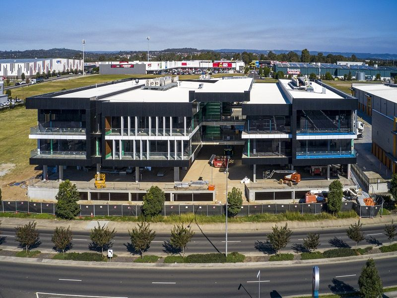 Well positioned 101m² Professional Suite For Lease