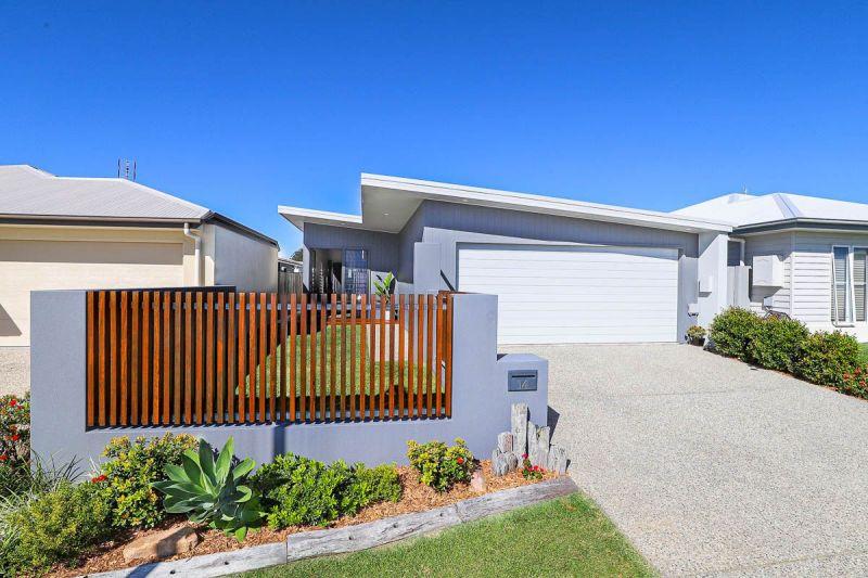 14 Stone Crescent, Baringa, QLD