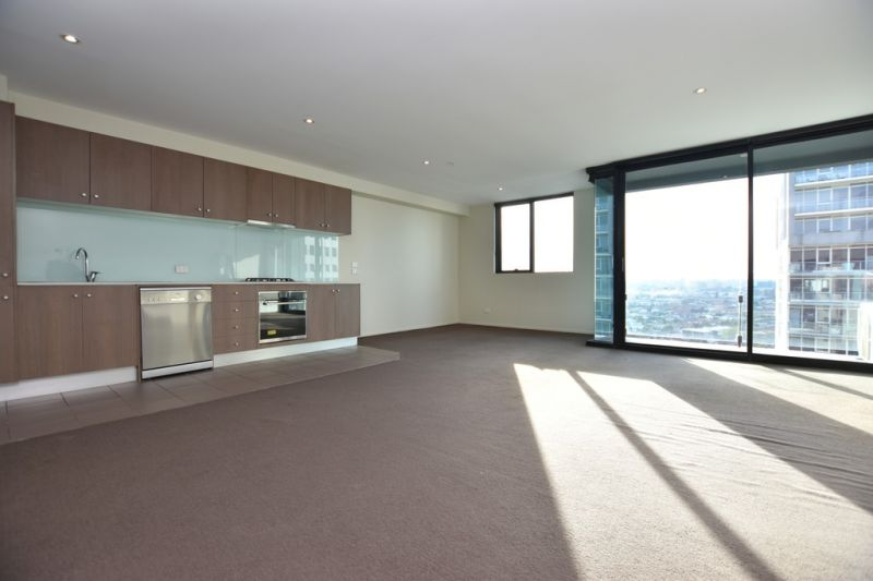 Spacious One Bedroom Apartment with Whitegoods and New Carpet!