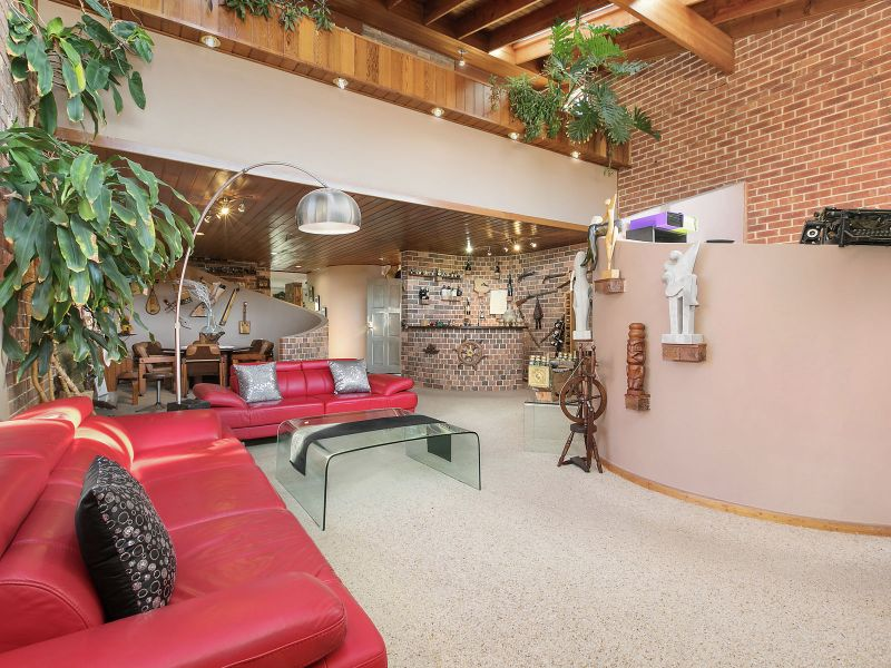 Superb Family Home of Space, Comfort and Versatility