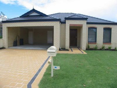 Beautifully Presented Modern Duplex