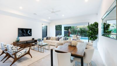Brand new luxurious 300m2 beach side villa