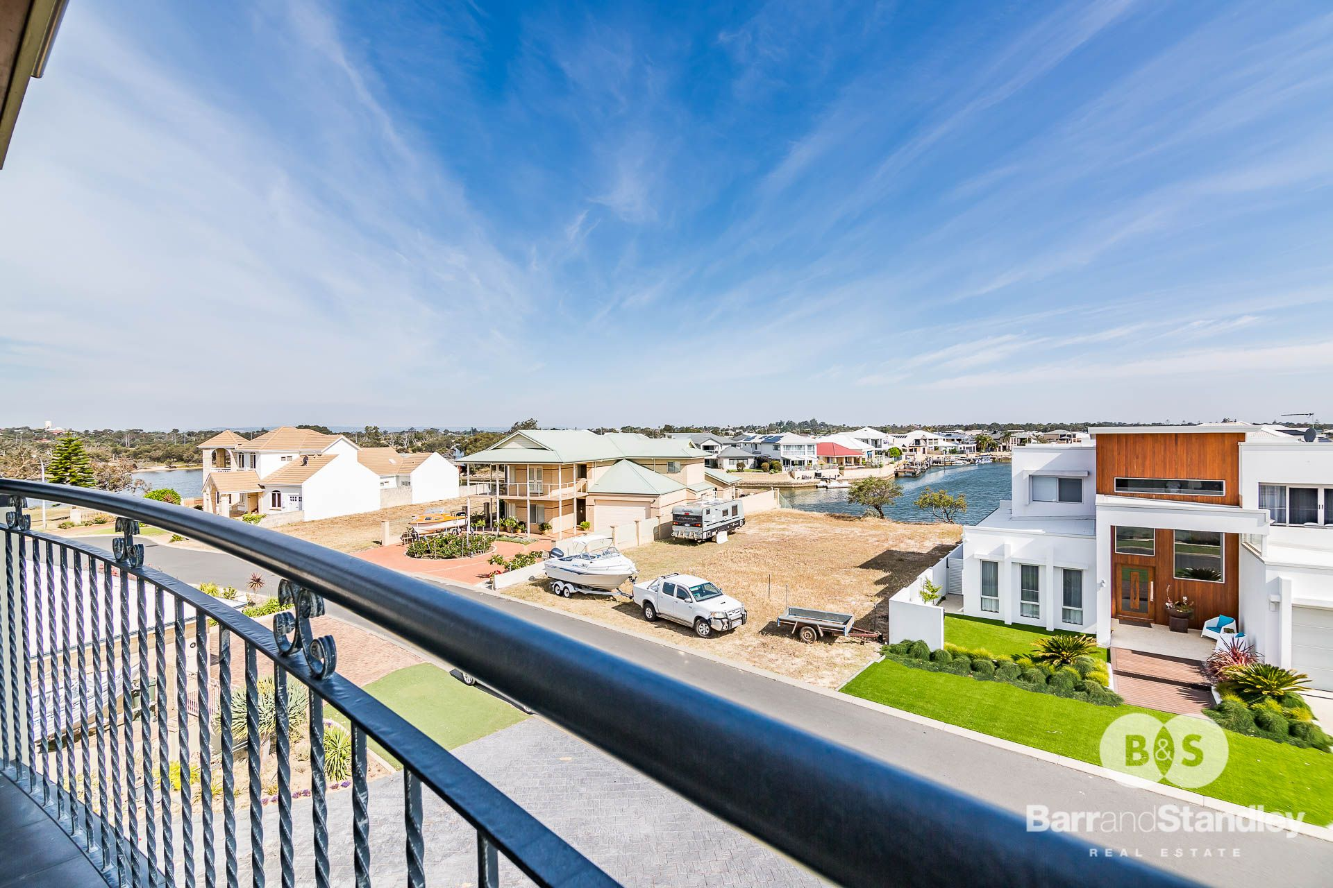 9 Lerici Circle, Pelican Point