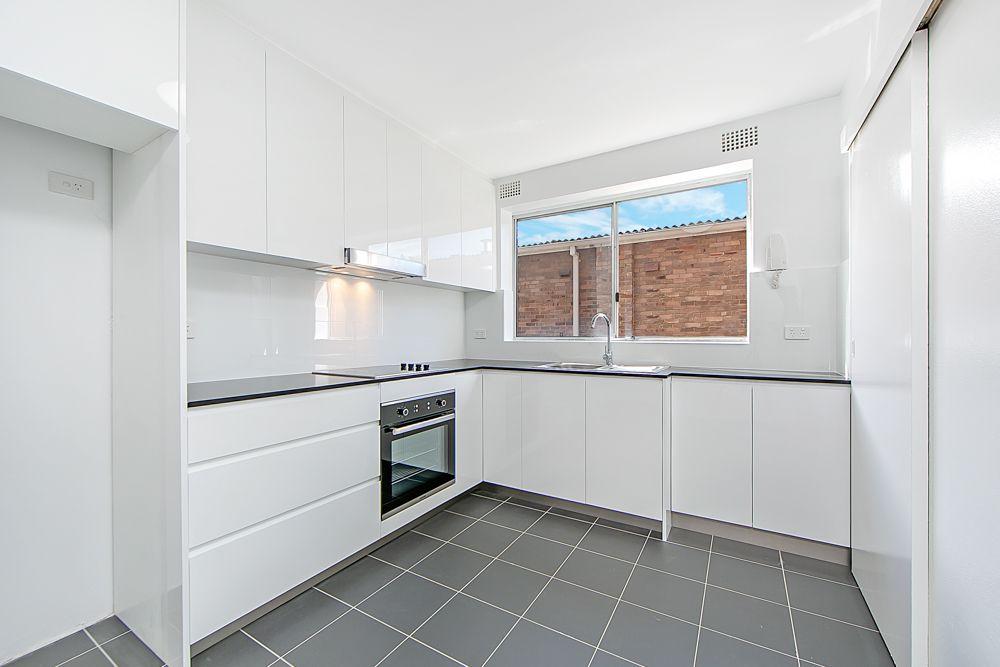 2/4 Mooney Street, Strathfield South NSW 2136