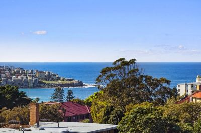 Cool, Calm And Collected  Sunny North Aspect, An Oversized Layout And Mesmerising Views