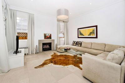 House Sized Stylish Contemporary Garden Apartment In Exclusive Location
