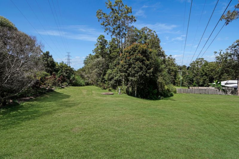 Acreage lifestyle, extra income or extended family home includes granny flat…