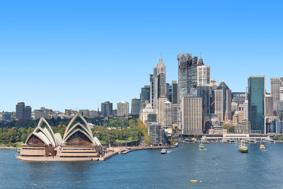 Sensational Opera house, city and Bridge Views!