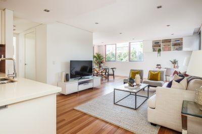 Over-sized Luxury 2-Bedroom Home