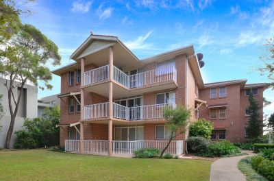 TWO BEDROOM APARTMENT CLOSE TO EVERYTHING!