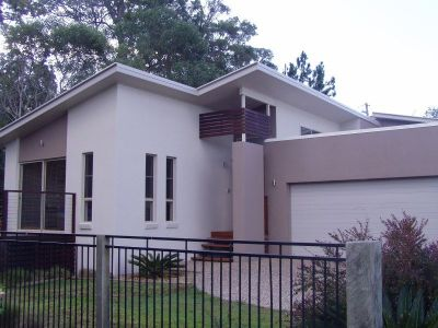 LARGE FAMILY HOME IN PRESTIGE ESTATE