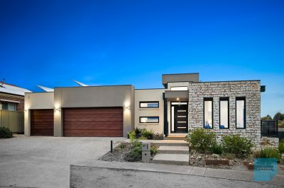 Indulge in Designer Lifestyle Overlooking the Reserve