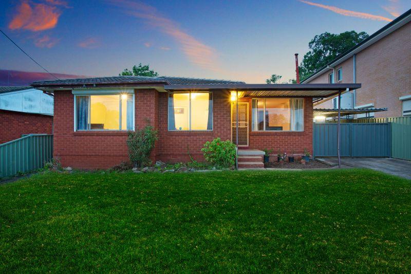 29 MacKenzie Boulevard, Seven Hills NSW 2147