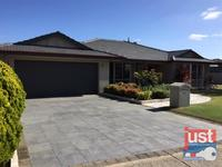 36 Pickworth Retreat, Pelican Point 6230