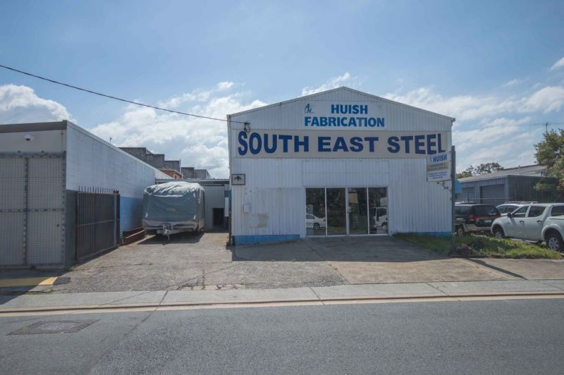 Prime CBD Location – Retired Vendors Committed To Sell