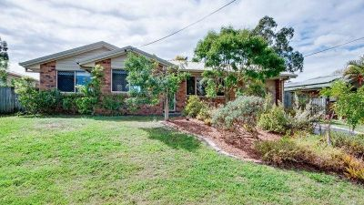 3 BEDROOM HOME IN FANTASTIC REDBANK PLAINS  LOCATION