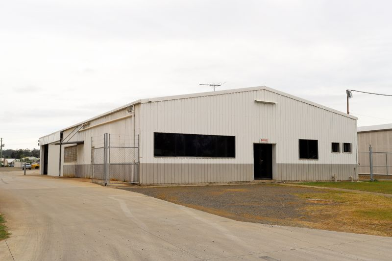 129sqm Industrial Warehouse and Office with compact Hardstand Area
