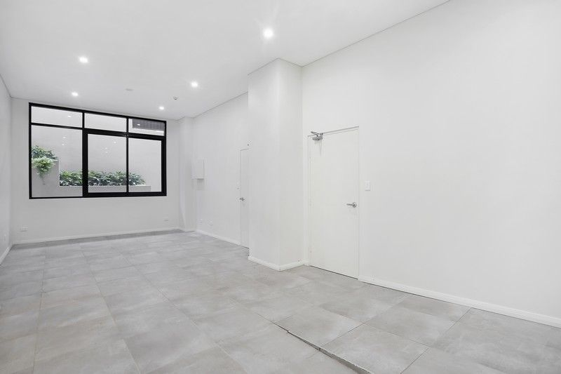 GROUND FLOOR COMMERCIAL + GENEROUS INCENTIVES TO OCCUPY!