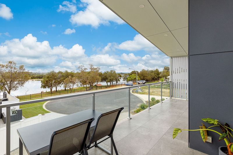 For Sale By Owner: 11 Epacris Elbow, Pelican Point, WA 6230
