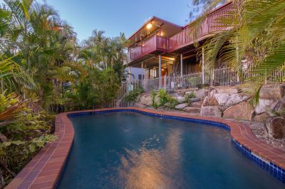 PRIVATE TROPICAL OASIS WITH SPECTACULAR VIEWS!