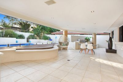 Entertainer's delight in the most convenient location