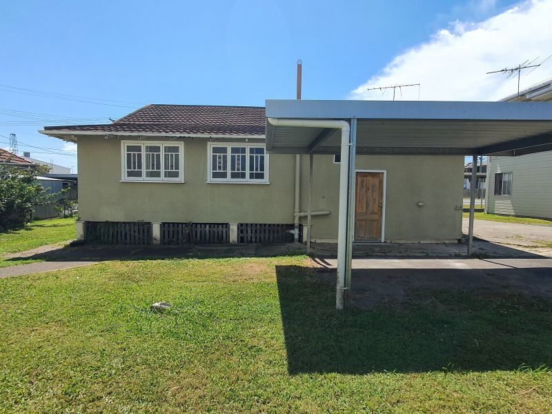 Character Unit Close To Amenities!