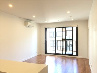 Two Bedroom Apartment in an Inner City Suburb!
