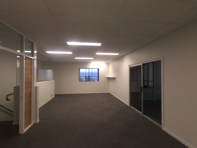 Warehouse/Office Facility in Busy Baylink Industrial Estate