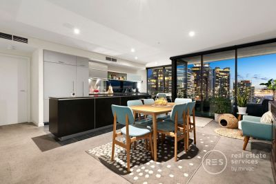 Tower One: An unmissable apartment with views and space
