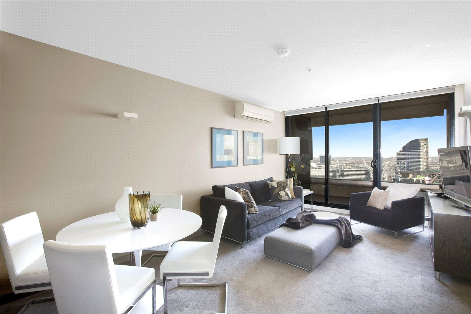 Neo 200: 30th Floor - Furnished Gem in the Heart of CBD!