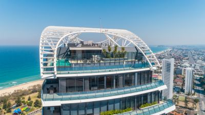567m2 Two-Level Beachside Penthouse in luxurious Oracle