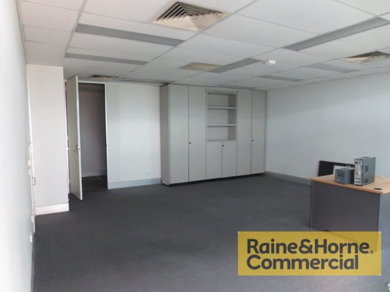 54sqm Ground Floor Office with Pleasant Outlook