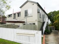 Cute 2 Bedroom Unit - Air-Conditioned