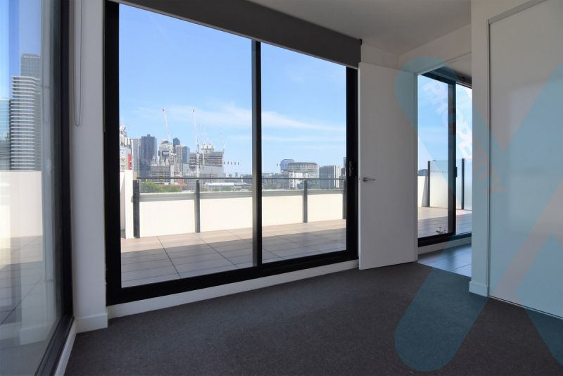 Penthouse Two Bedroom in West Melbourne!