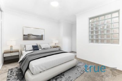 JUST RENOVATED, BOUTIQUE TOWNHOUSE INCLUDE LOCK UP GARAGE