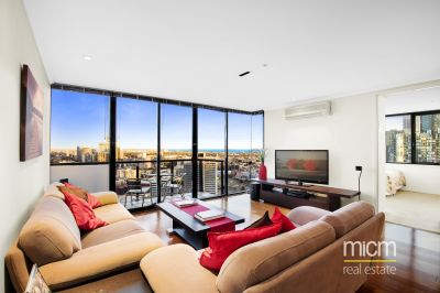 Sensational Corner Living with Unforgettable Views
