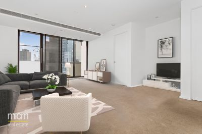 Sleek Southbank Entertainer with Port Phillip Bay Panorama
