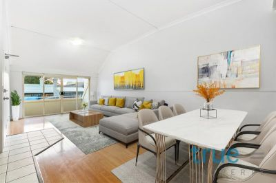 = HOLDING DEPOSIT RECEIVED = LIGHT-FILLED APARTMENT LOCATED IN THE HEART OF PETERSHAM