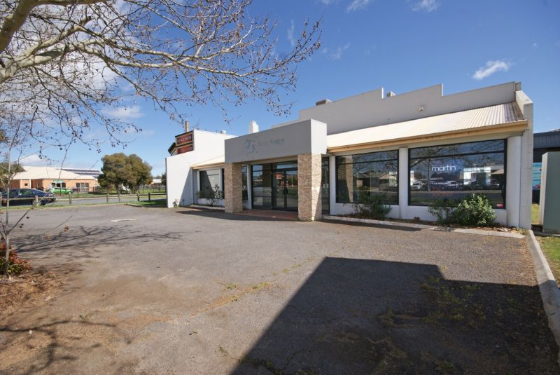 Outstanding Commercial Premises