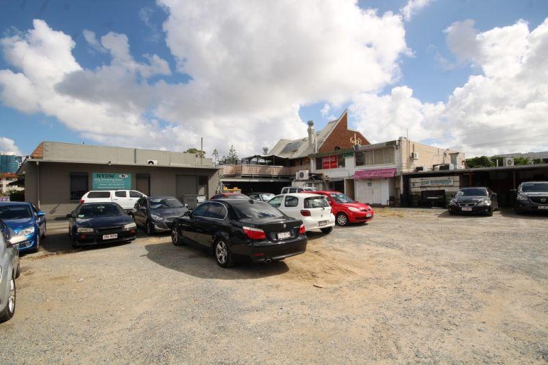Rare Chevron Island Retail space