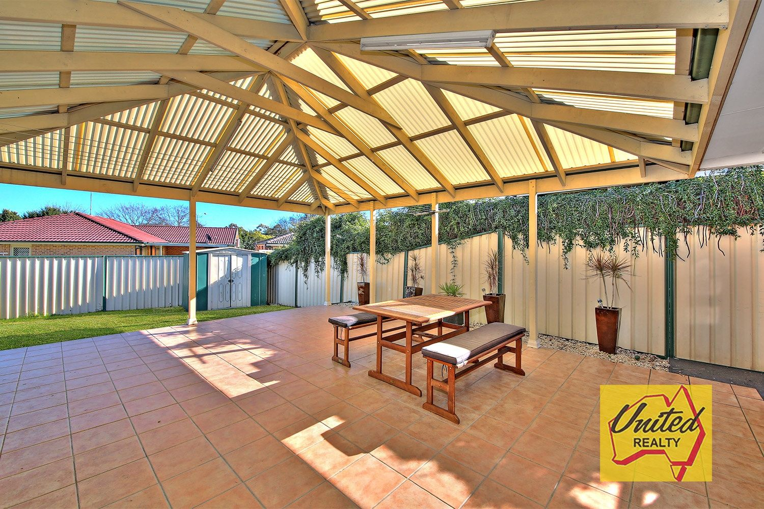 43 Outram Place Currans Hill 2567