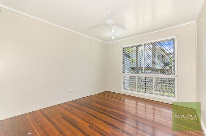 8 Eura Court, Mount Louisa