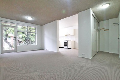 TWO BEDROOM UNIT *FRESHLY PAINTED & NEW CARPET*