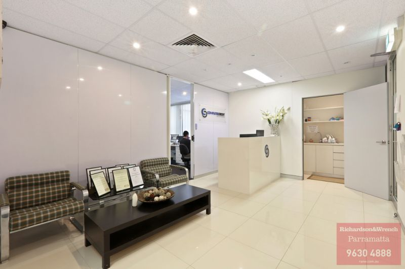 MODERN OFFICE SPACE - WORTH A LOOK!