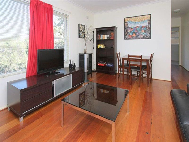 2 BEDROOM FURNISHED APT. (SHORT OR LONG TERM) QUIET LOCATION,NEAR TRANSPORT. UNDER COVER PARKING