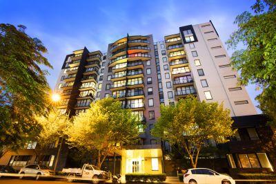 Melbourne Condos: 1st Floor - Top Quality, Superb Location!